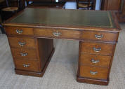 Well Proportioned Antique Oak Victorian  Pedestal Writing Desk